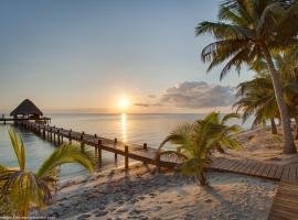 Robert's Grove Beach Resort, Placencia Village