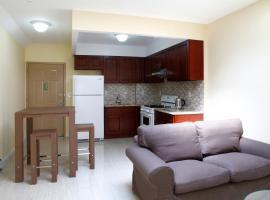 Higher Suites, Queens