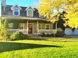Huge Home with a Big Yard Just South of the City by Wasatch Vacation Homes, South Jordan