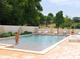 Grand Bleu Vacances – Résidence La Closerie, Barjac