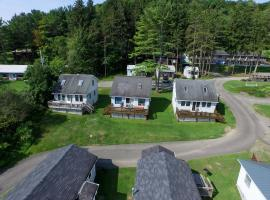 Bayside Inn & Marina - Three Bedroom Cottage L, Cooperstown