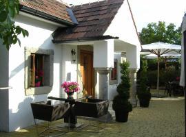Romantik Chalet, Breitenbrunn