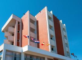 Hotel Ambassador, Marotta