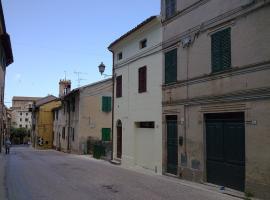 Casa Via Garibaldi, San Costanzo