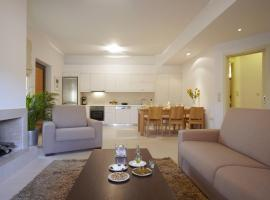 Ikia Luxury Homes, Gonia