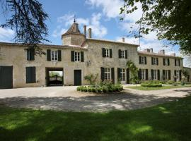 Chateau d'Auge - Grand Gite, Laplume