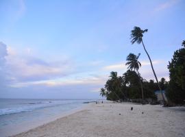 Canopy Cove, Baan atolli