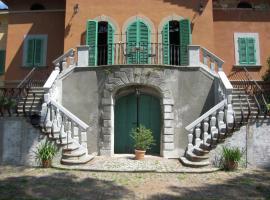 Apartment Poeta Sei, Pescia