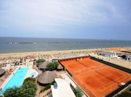 Grand Hotel Azzurra Club, Lido Adriano