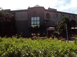 Hotel Niki, Tribiano
