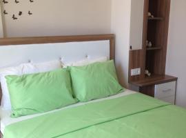 Paddy's Apartments, Ovacik