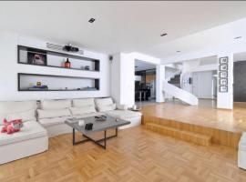 Penthouse Apartment Pela, アテネ