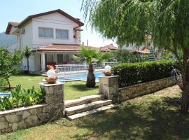 Crescent Villa