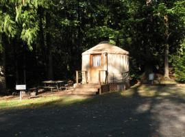 Mount Hood Village Yurt 1, Welches