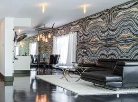 Hollywood Two Bed Townhouse