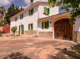 Villa Es Muntant, Establiments