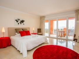 Deluxe Harbor Apartment, Sotogrande