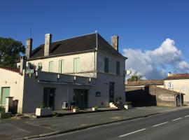 Le Cheval Blanc, Saint-Ciers-du-Taillon