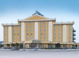 Piramidi Hotel, Torri di Quartesolo
