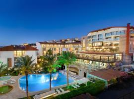 Piril Hotel, تشيشمي