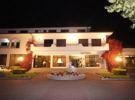 Hotel Contriz, Criaz