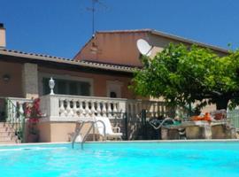 Villa Uchaud, Uchaud