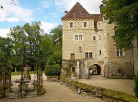 Holiday home Vieux Chateau Voutenay s/Cure, Voutenay-sur-Cure