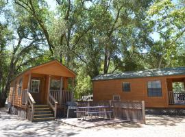 Morgan Hill Camping Resort Cabin 1, San Martin