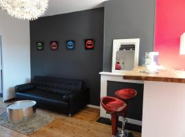Agence Moment' Apart - Lipstick, Lille