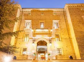 Castello Chiola Dimora Storica, Loreto Aprutino