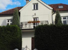 Villa Izovella, Chvatěruby