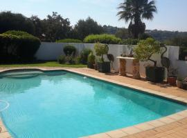 Chez Esme Guest House, Roodepoort