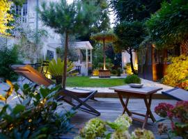 Villa du Square, Luxury Guest House
