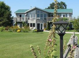 Moonlight On The Lake Bed & Breakfast