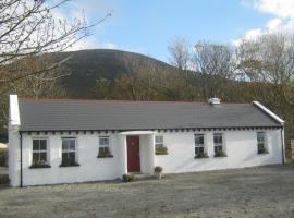 Mia's Self Catering Holiday Cottage, Claggan