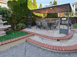 Beautiful 4 Bedroom 3 Bath with BBQ and Deck, Union City