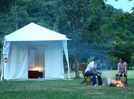 Khao Kheaw es-ta-te Camping Resort & Safari, Si Racha