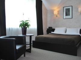 Grand Hotel Club, Tula