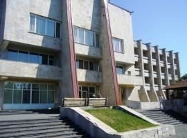 Hotel Profspilkovyi, Luts'k