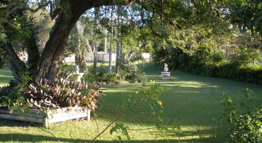 Palms Oasis Motel