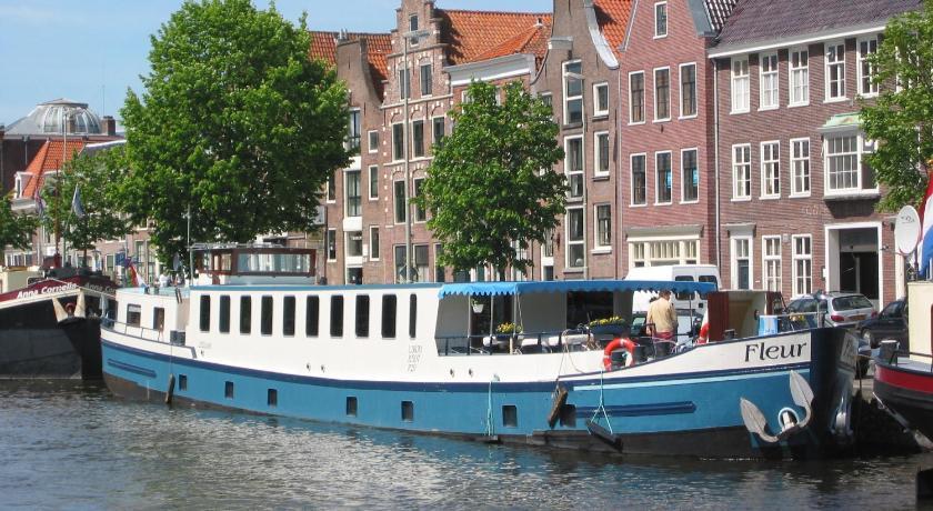 Hotelboat Fleur (Amsterdam)