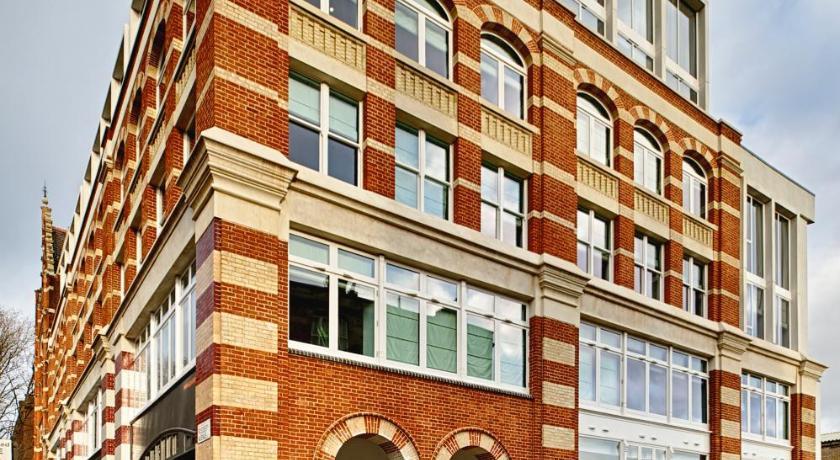 London Escorts Near The Rosebery Aparthotel