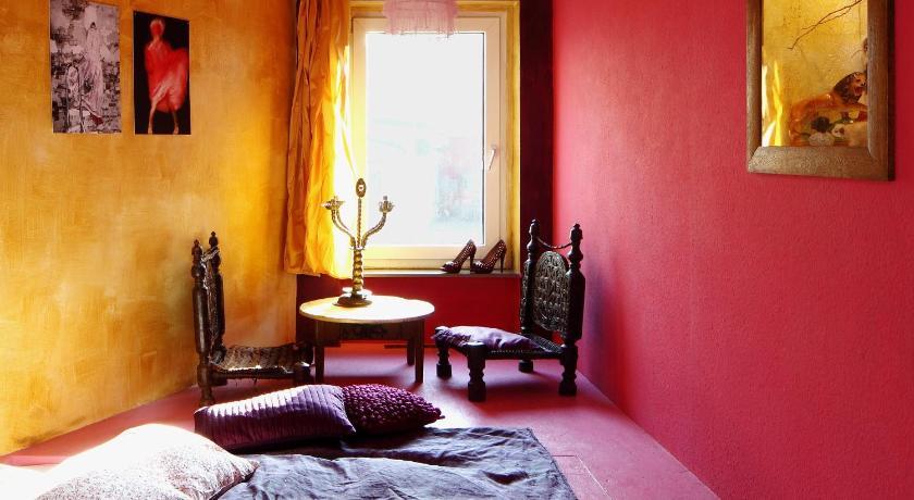 fotomotel fensterzumhof kassel deutschland. Black Bedroom Furniture Sets. Home Design Ideas