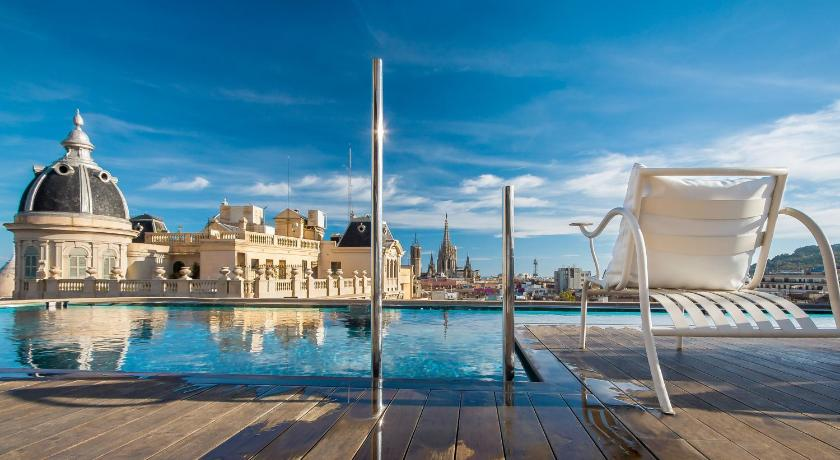 Romance and Honeymoon Options in Barcelona, Spain
