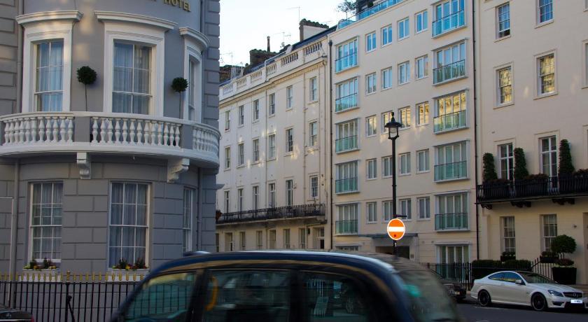 London Escorts Near The Diplomat Hotel