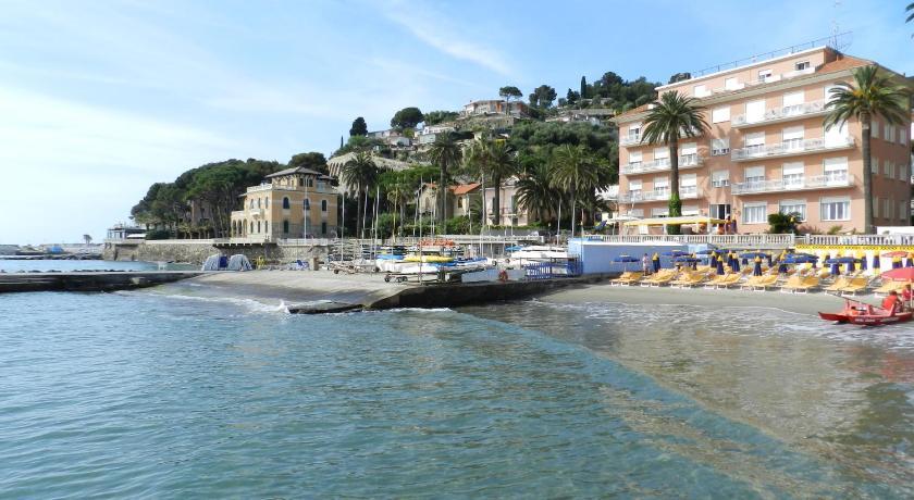 Hotel Golfo E Palme Italy