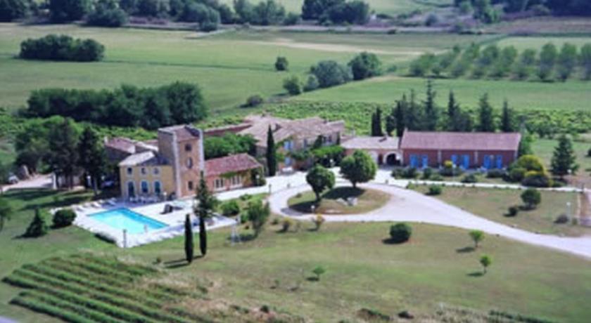 Hotel mas de la tour gargas france for Telephone booking france