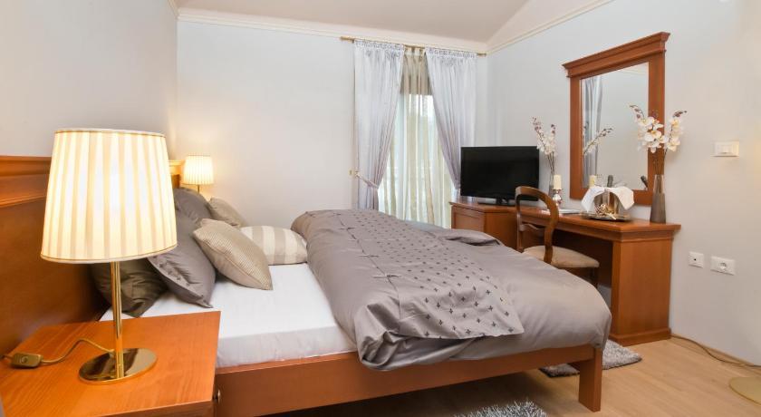 Apartments & Rooms Mani a Casa