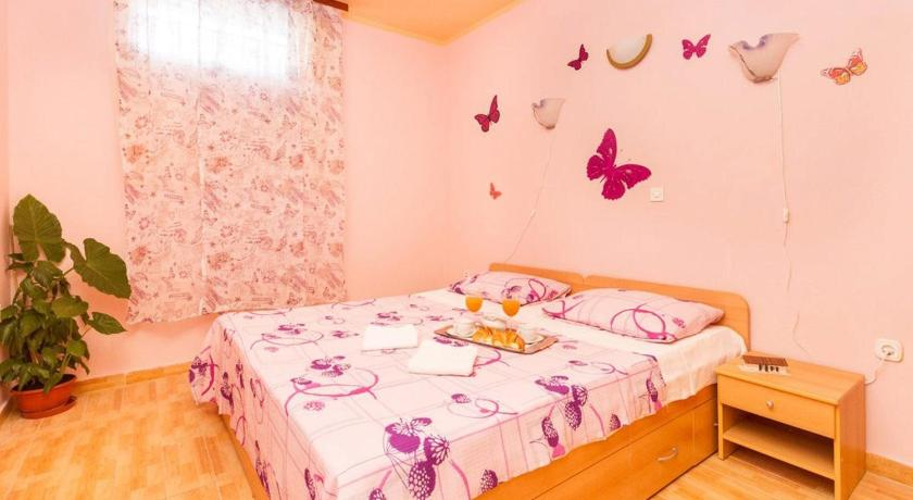 Apartment Romantic (Split)