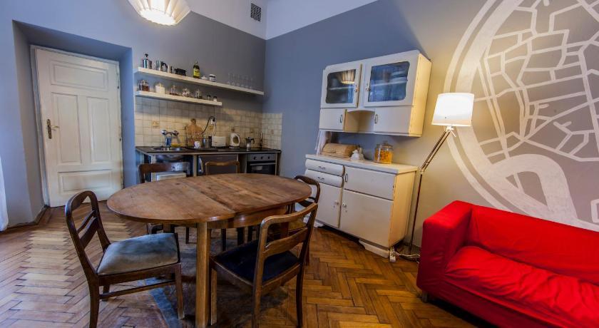 Bout de cuisine du Travellers Inn à Cracovie. Une auberge calme dans un quartier calme.